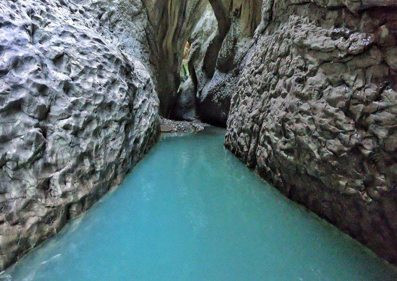 """Kanionet e Holtës"""" një nga perlat e natyrës në Gramsh - ATSH -"""